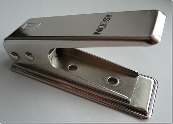 microsim cutter4 thumb Как обрезать сим карту? С Micro SIM Cutter – ЛЕГКО! (Фото + Видео)