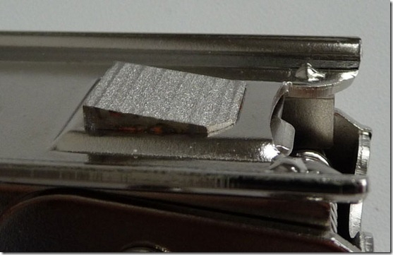 microsim cutter6 thumb Как обрезать сим карту? С Micro SIM Cutter – ЛЕГКО! (Фото + Видео)