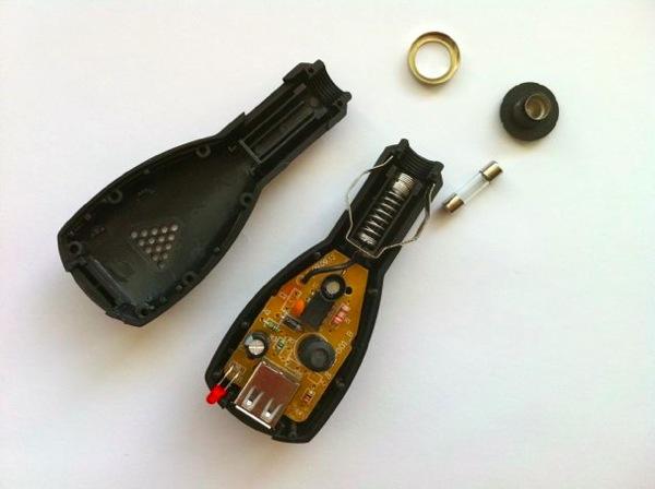focus07 Питание видеорегистратора от плафона внутреннего освещения Форд Фокус 2